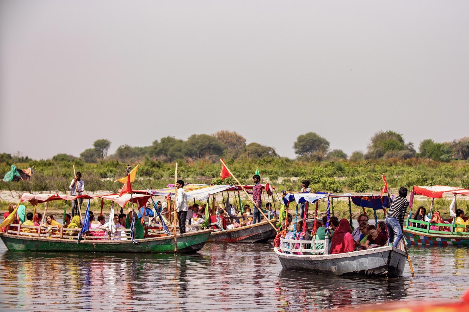 boat-trip-on-yamuna