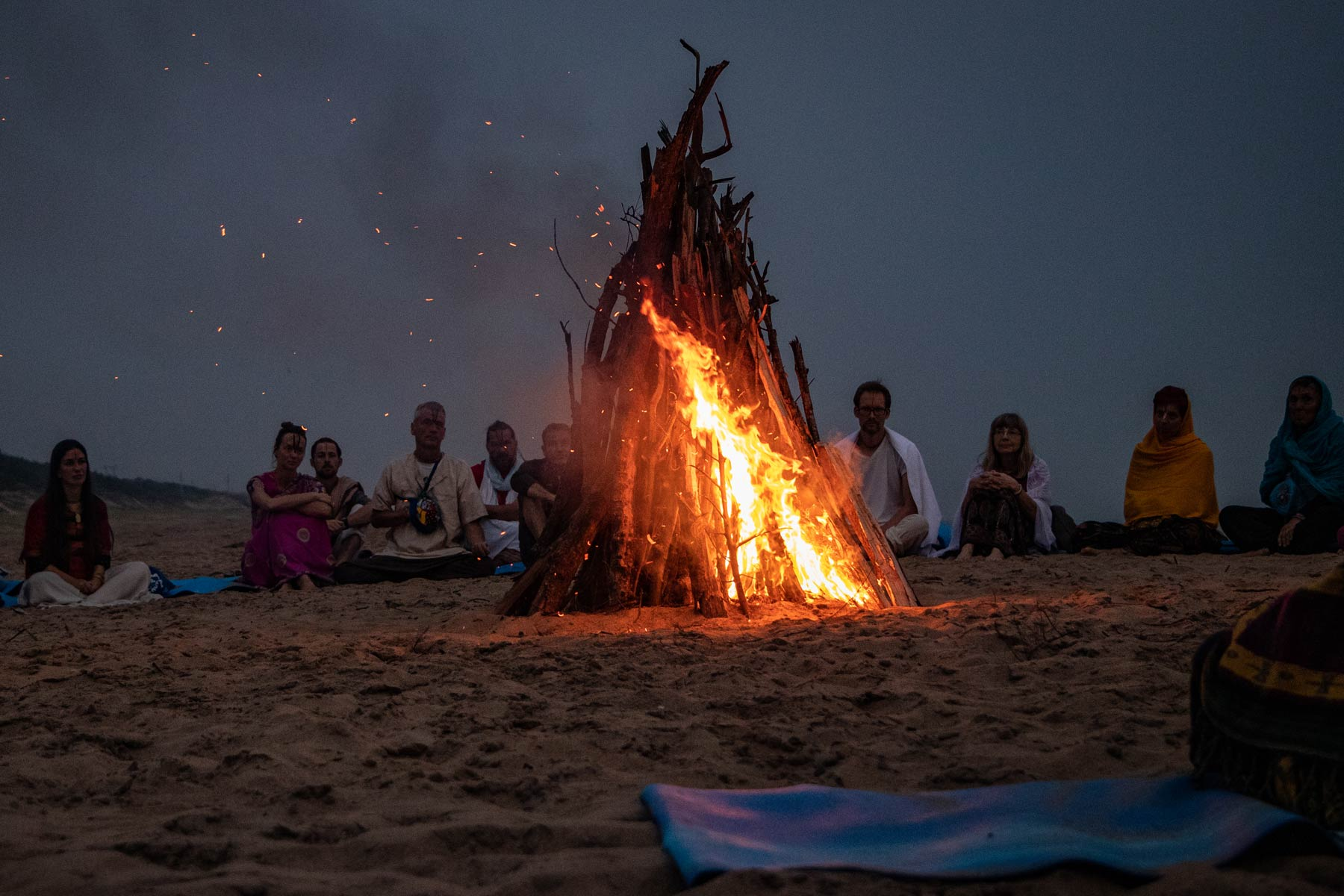 bonfire-on-ramachandi-beach-konark