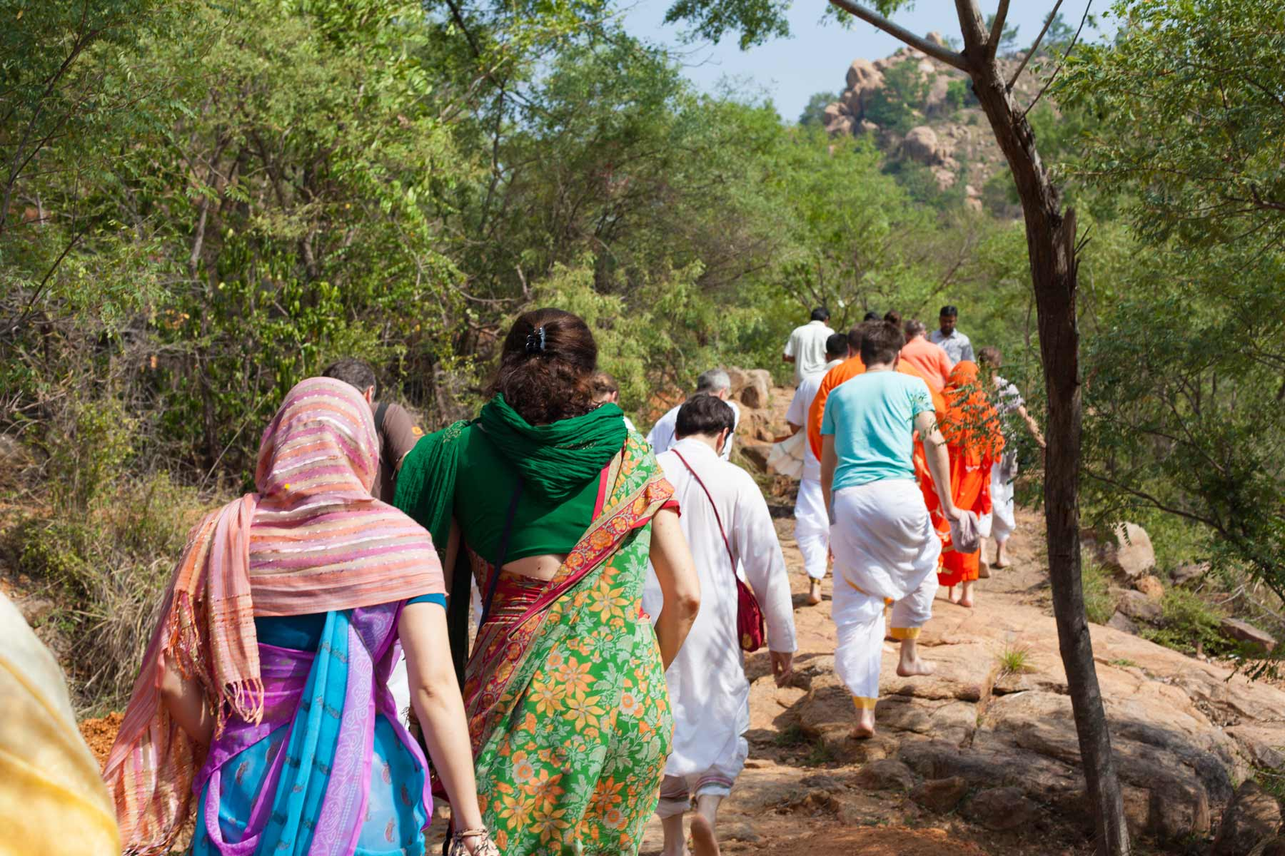japa-walk-with-paramahamsa-vishwananda