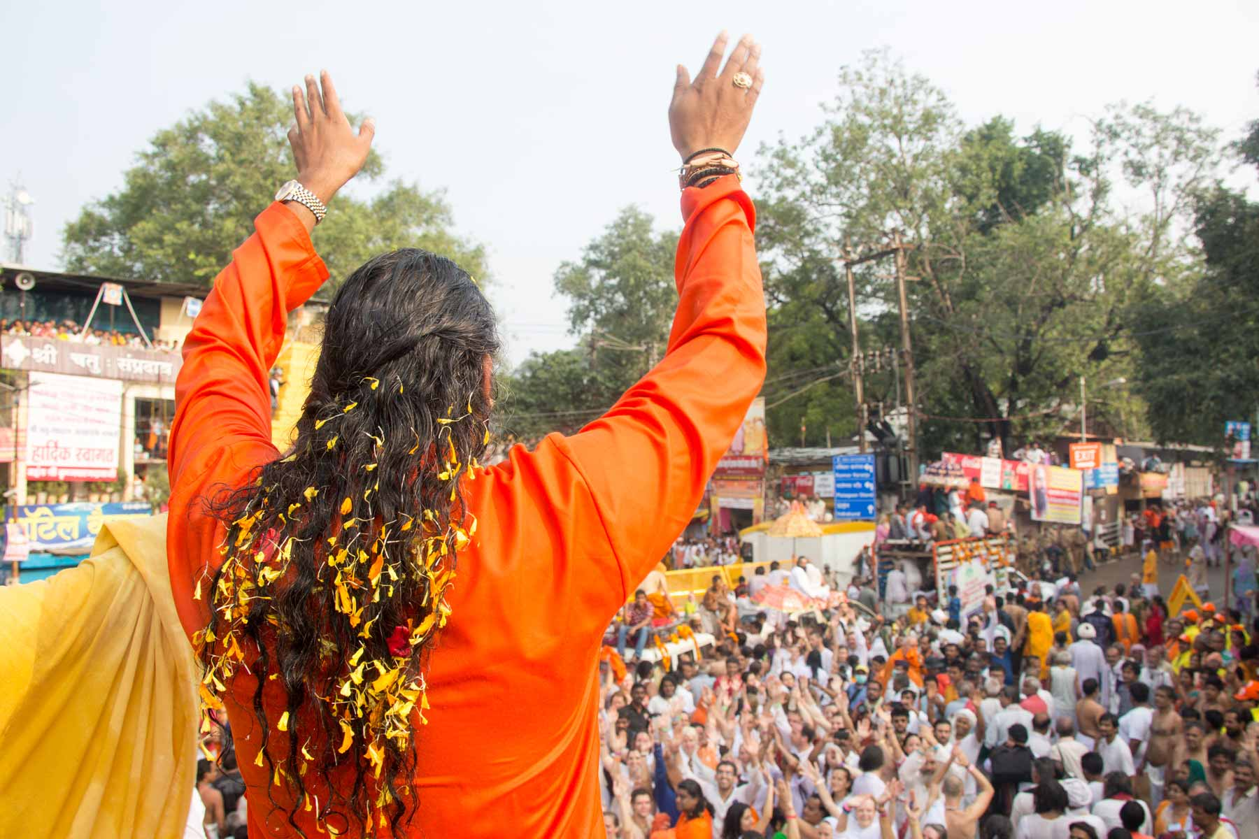 paramahamsa-vishwananda-becomes-mahamandaleshwar-during-kumbh-mela-3