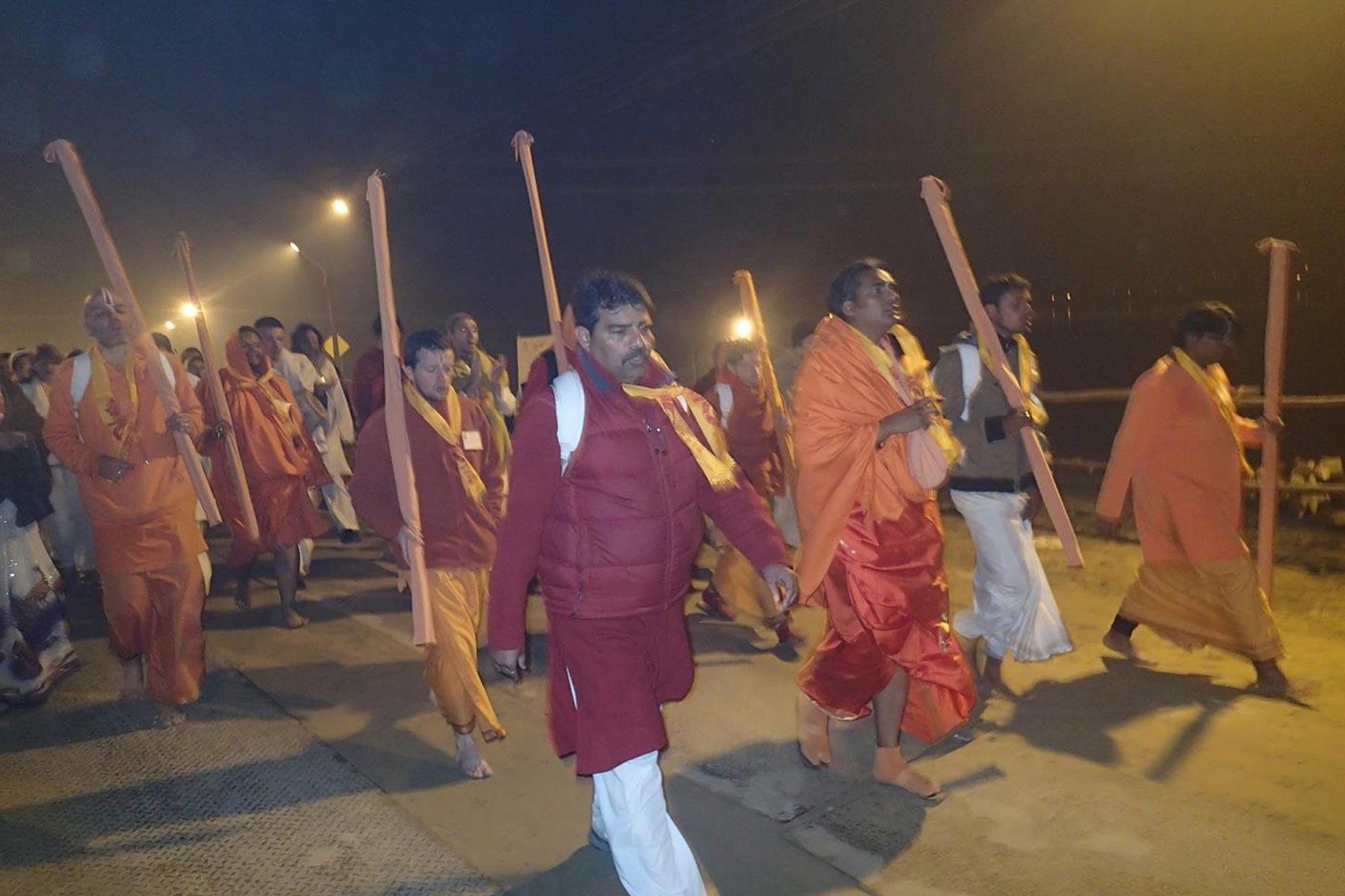 paramahamsa vishwananda during kumbh mela