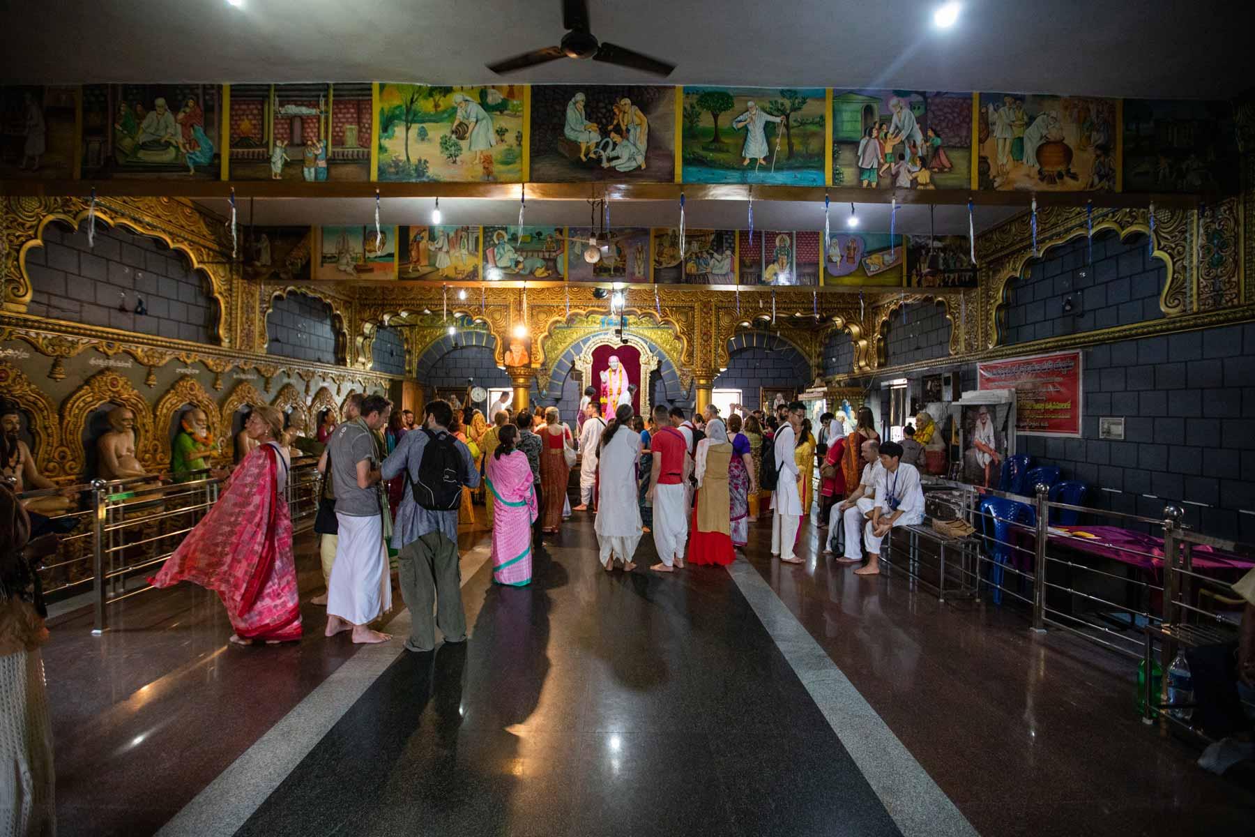visiting-shirdi-sai-baba-temple